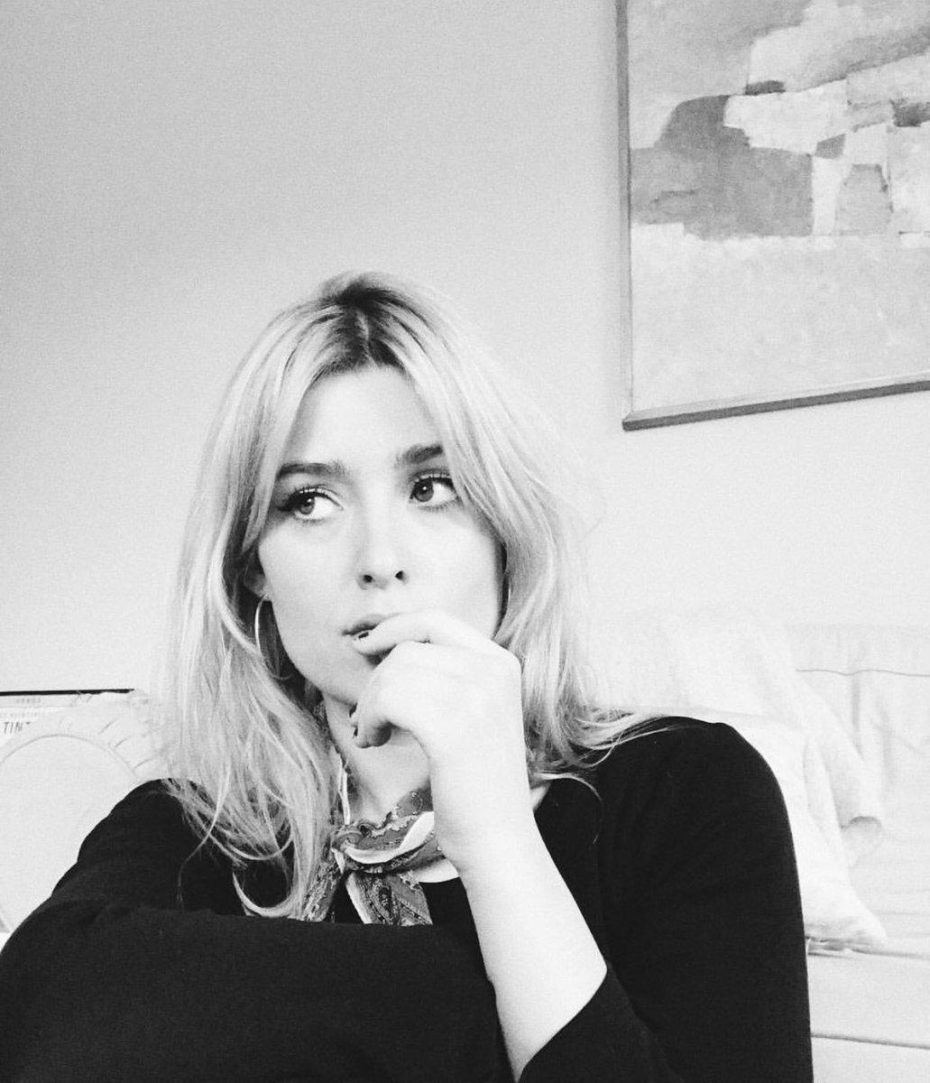 blonde 🕊 https://t.co/w0hNJbAZPT