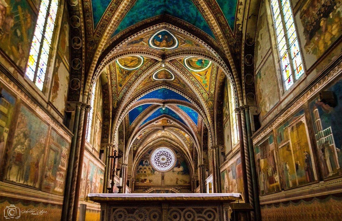 RT @FotoAssisi: Assisi https://t.co/qZaKpFgwEN