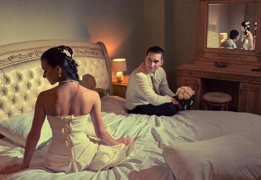Позицию девушка брачная ночь снятая на видео секс