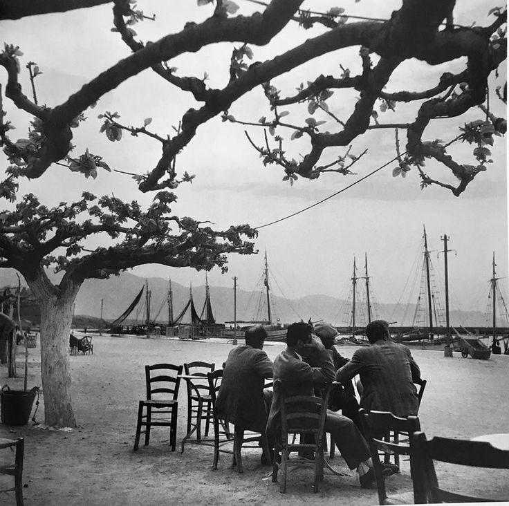 RT @AgrapidiL: Αγνάντι   Karystos, 1955   #Greece   © Voula Papaioannou   #photography https://t.co/w62vmzEvKW