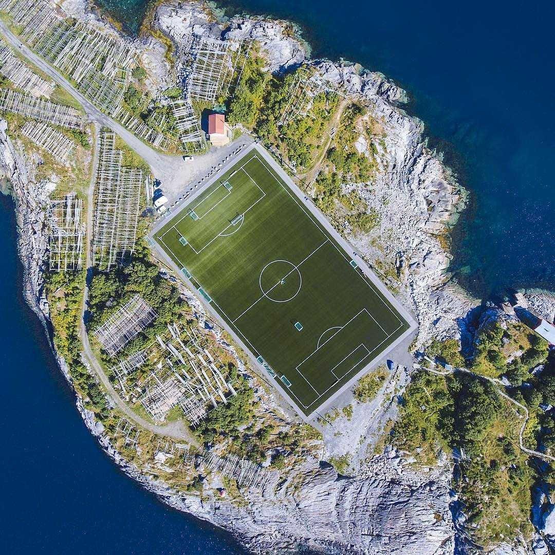 #norway #Henningsvær #stadium#soccer #football #soccer  #JazaStadipic.twitter.com/f3kdS02KtV