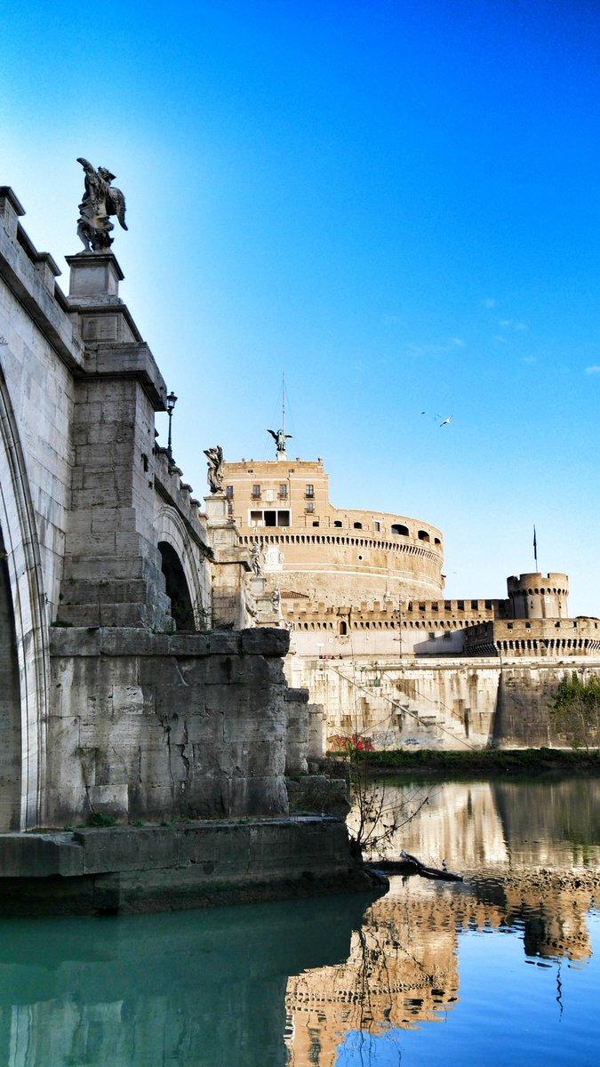 RT @marco_asfalto: #RomeIsUs  #Roma Ponte Sant'Angelo #prospettive  #BuonSabato  #20gennaio https://t.co/2exiQbQxMf