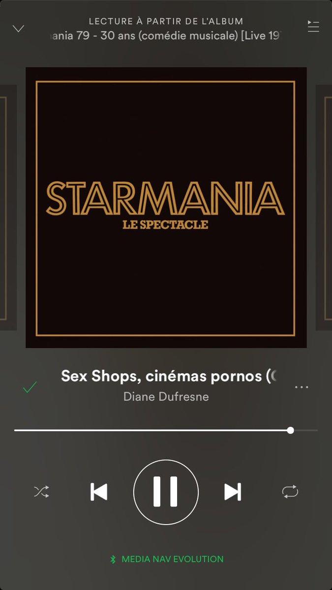 J'adore ce morceau de #Starmania !! Les paroles sont juste WTF et la chanteuse fait n'importe quoi avec sa voix!!! https://t.co/iJMyodHLNm