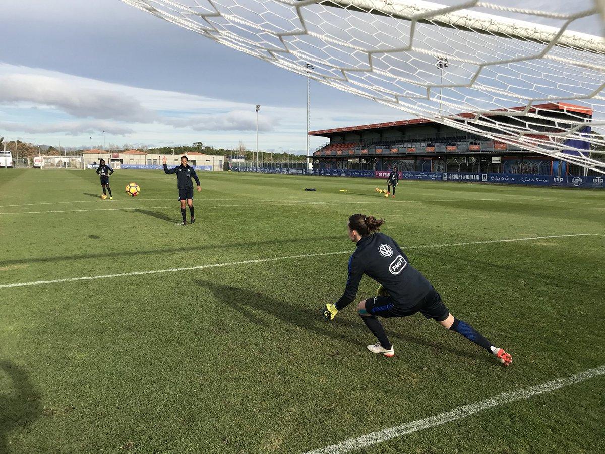 RT @equipedefrance: Sixième séance de travail de la semaine pour les Bleues à Montpellier. France-Italie J-2 🇫🇷🇮🇹 https://t.co/OJEOrwVpdm