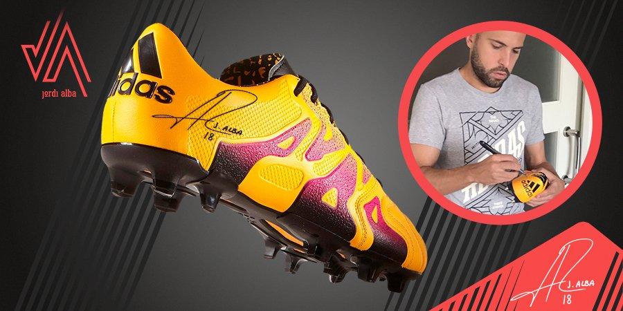 Participa en el  #SORTEOJA Gana un par de botas de fútbol firmadas por mí. Busca la publicación en #Facebook #JA  ✌️😜