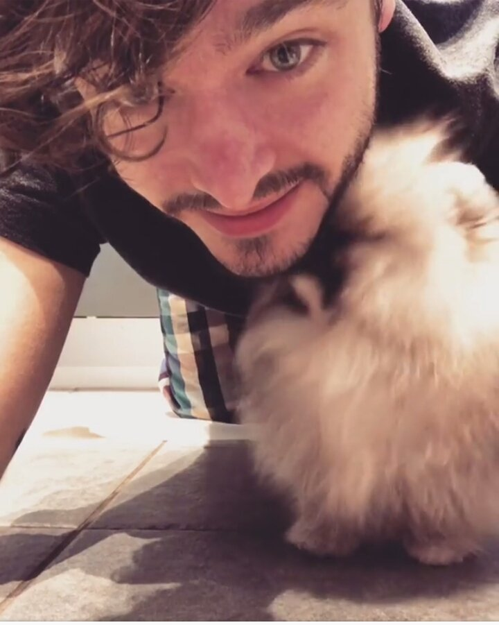 Good morning Hugs and good luck for anyone who need it  #VersaillesFamily #TuesdayThoughts https://t.co/iETd1z8tuw