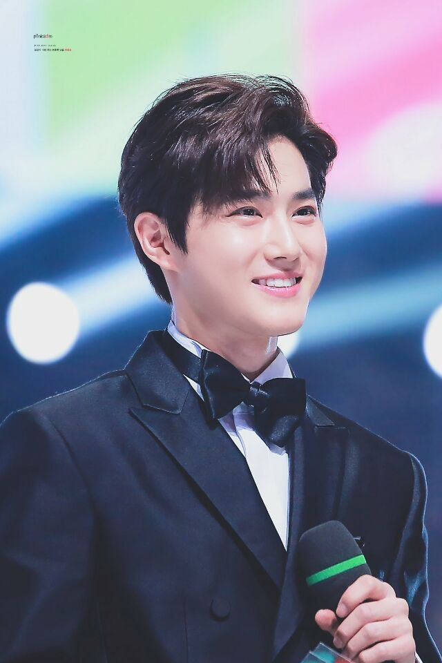 #iHeartAwards #BestFanArmy #EXOL @weareoneEXO https://t.co/wAlmRPQ7s6