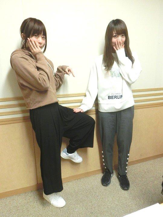 ゲストの水瀬いのりさん、ありがとうございました! お二人が出演するTVアニメ『宇宙よりも遠い場所』もよろしくお願いします! (写真は、足にタッチ) #hitokana #agqr