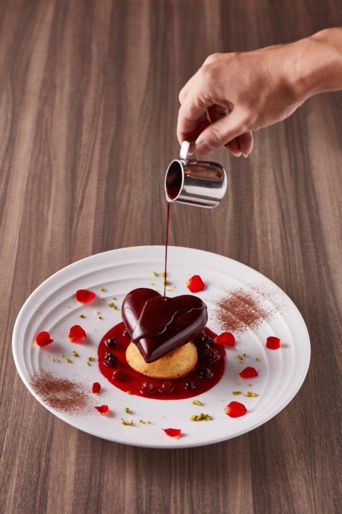 六本木ヒルズでバレンタインイベント開催、限定チョコスイーツやギフト向け雑貨など - https://t.co/Faa0TZISZP