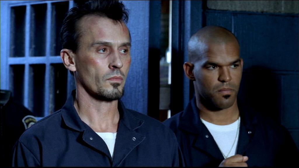 Saison 6 épisode 1 : Toulalan et Malcom échafaudent un plan pour s'évader du Haillan.