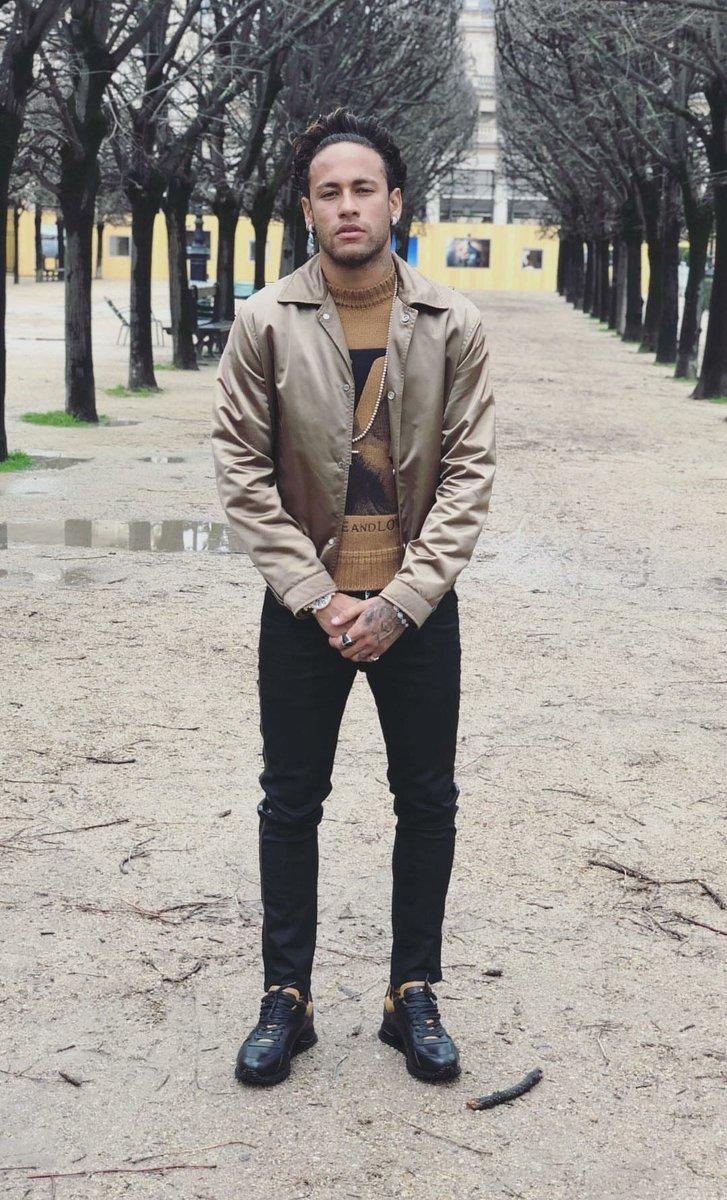 Uma outra certeza é que Neymar as vezes parece uma tia.