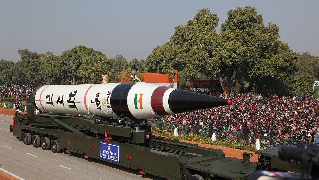 India test-launches nuclear-capable long-range missile https://t.co/3kdAXaXsyx