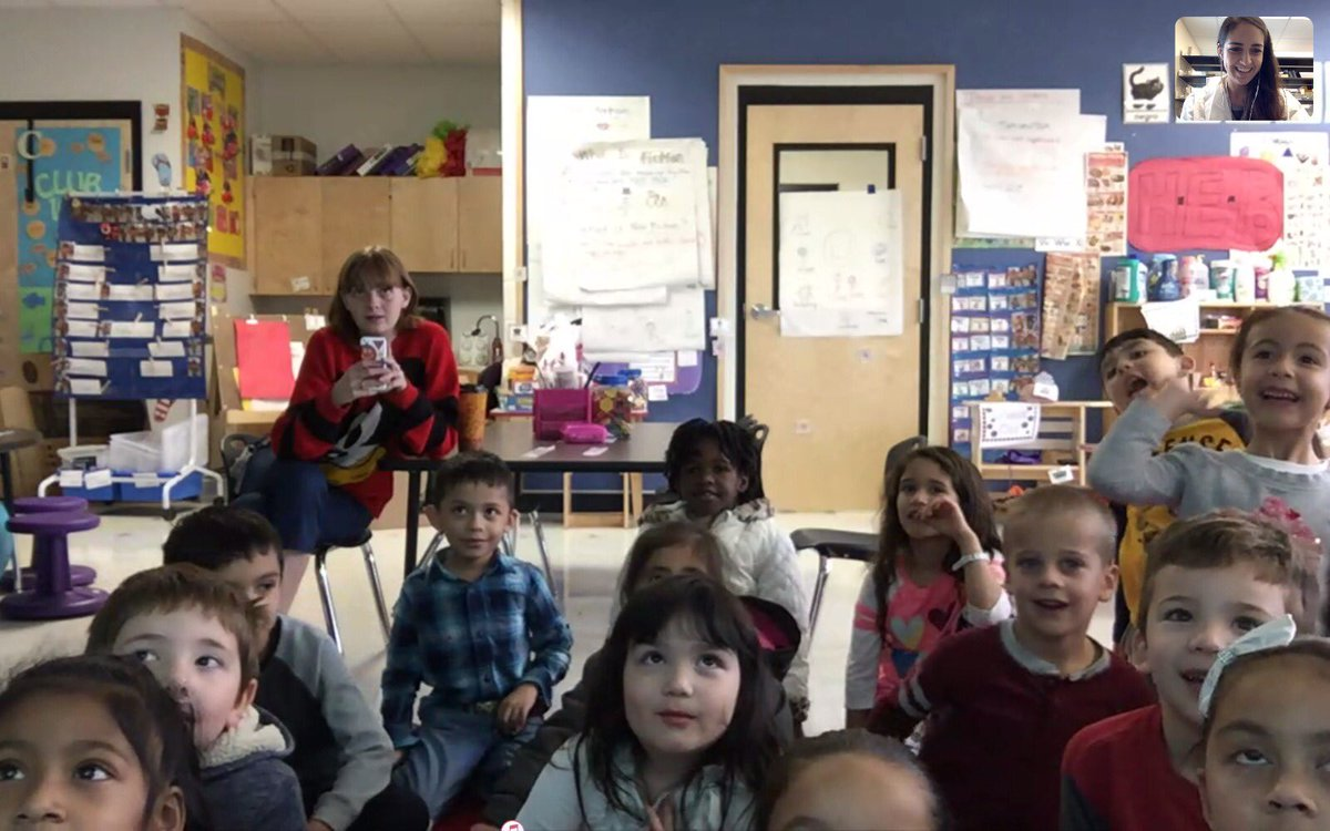 I just participated of #SkypeAScientist or the first time! So fun! :) :) Showing the lab, experiments and talking about science with @ACruzTeach and her kindergarten students!!!!!!!<br>http://pic.twitter.com/lAOJP4ic9u