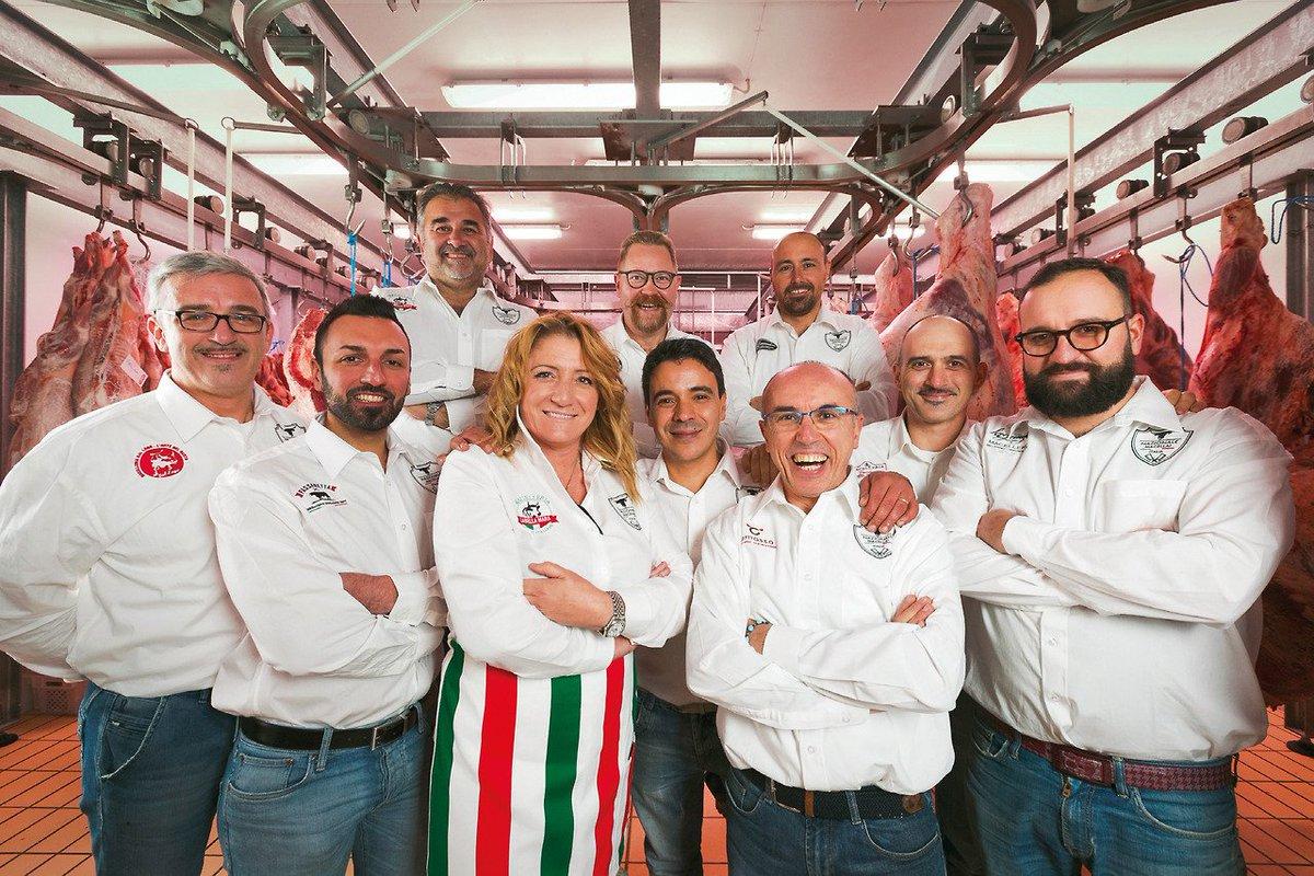 #SaveTheDate : 1 febbraio 2018. A @EurocarneVerona presentazione ufficiale del meat team della #NazionaleItalianaMacellai, la squadra di professionisti che ai World Butchers' Challenge indosseranno il tricolore e sfideranno 11 nazioni --> https://t.co/DTSxaONlDh #Eurocarne2018 https://t.co/T8pcmSOqDi