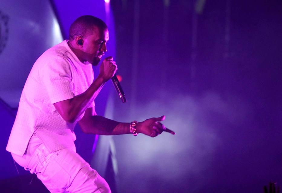 Kanye West diz querer gravar com Márcio Victor, do Psirico https://t.co/t6yg6QZaCX -via @EstadaoCultura