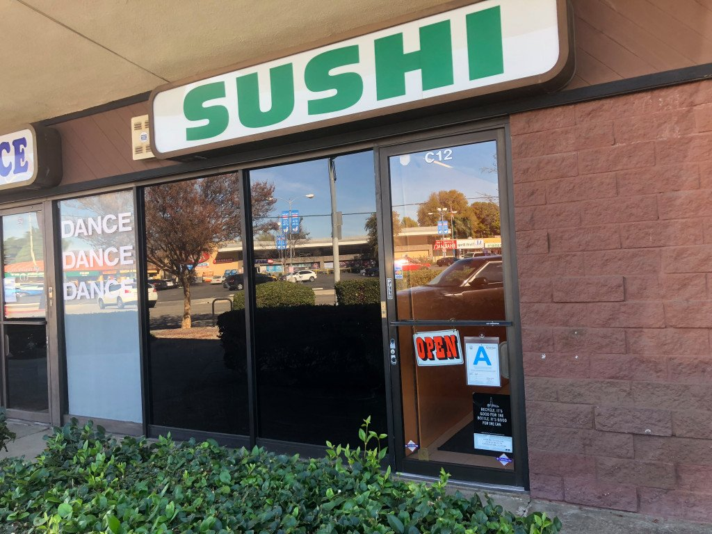 Sushi has a cult following at the no-frills Go's Mart in Canoga Park https://t.co/r8TTgTLG4F