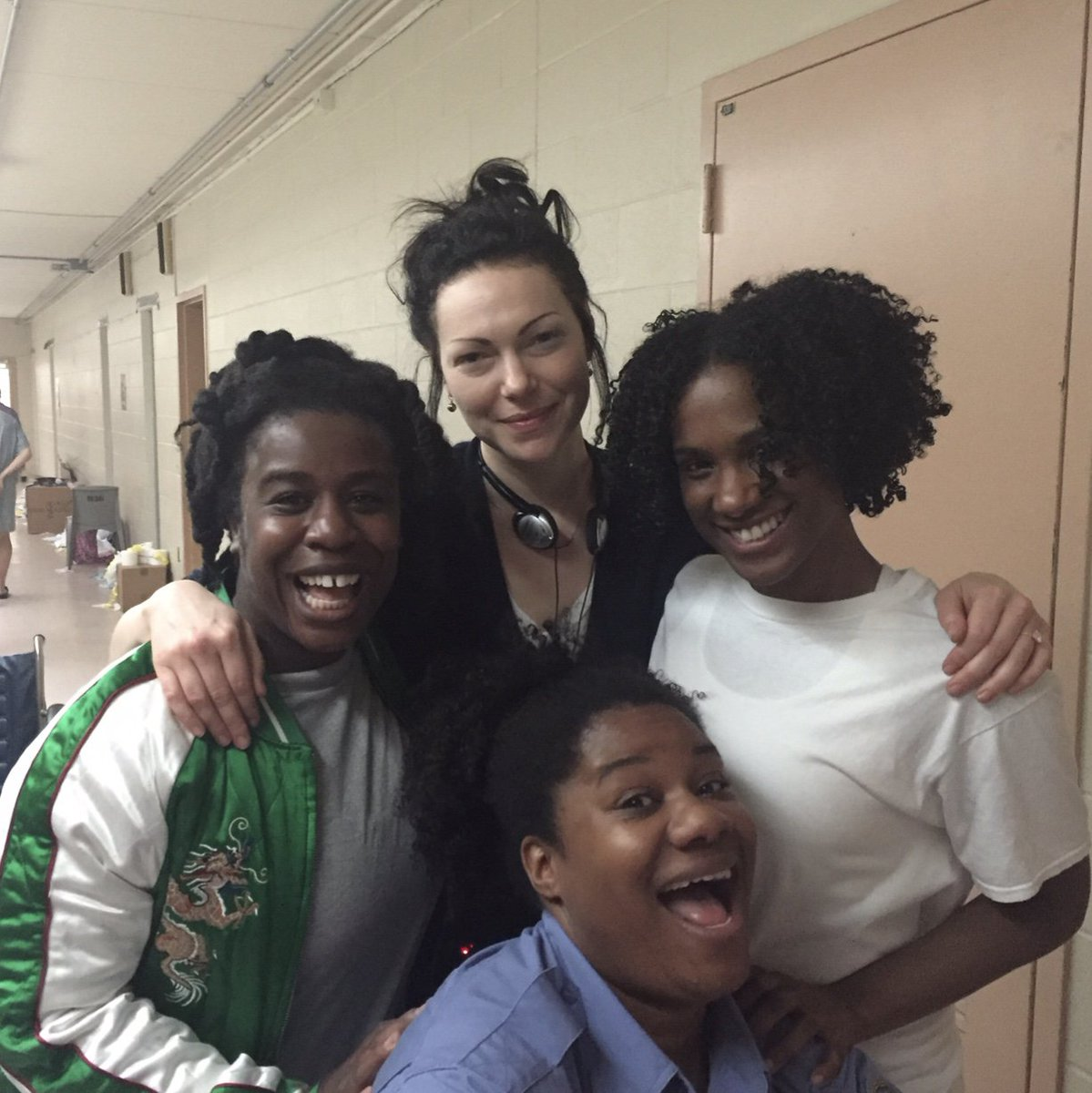 #ThrowbackThursday to directing these amazing ladies last year during Season 5 of #OITNB  #tbt #orangefamily<br>http://pic.twitter.com/OLzS4bVzwA