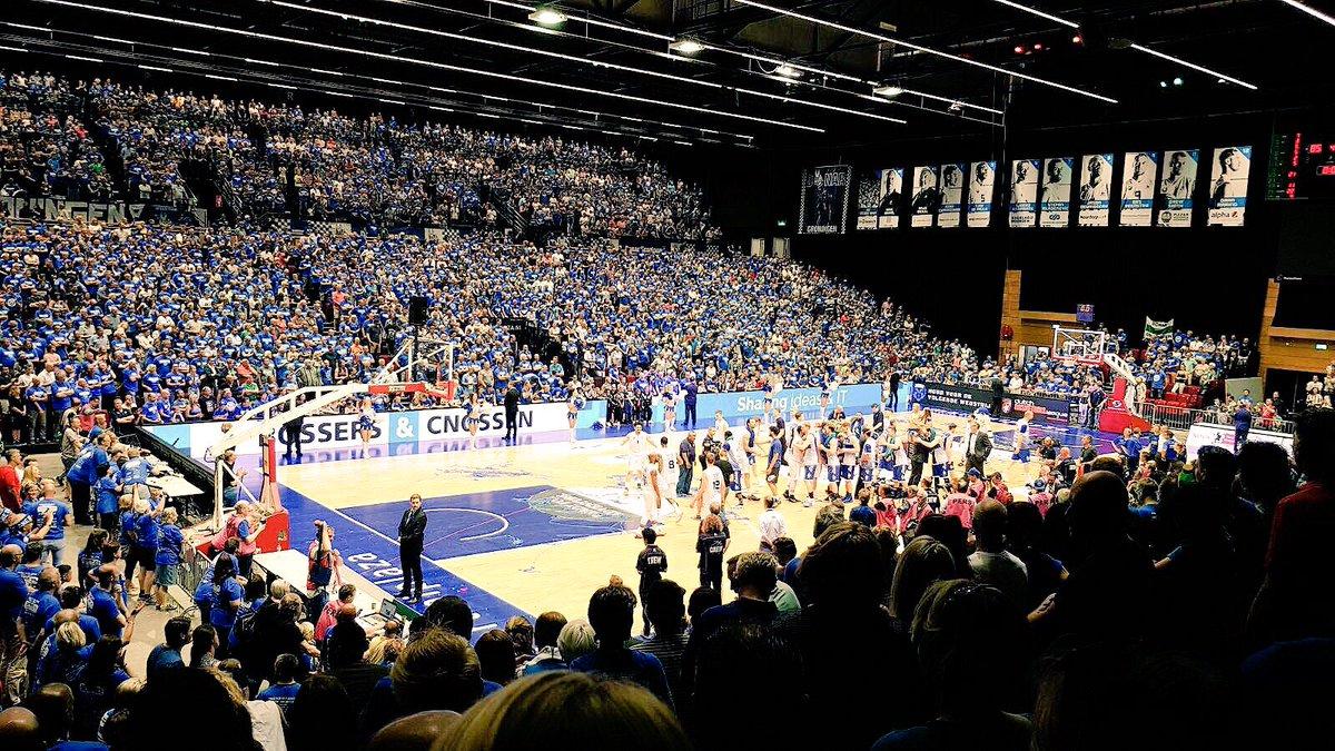 RT dit bericht (én volg ons) en maak kans op 2 vrijkaarten voor de Europese topwedstrijd in de @FIBAEuropeCup volgende week woensdag (24 januari) tegen Cluj (uit Roemenië)!   De wedstrijd begint om 19:00 uur in @MartiniPlaza! Actie, spanning en sensatie! #together #Donar https://t.co/YjlE2KPx6K