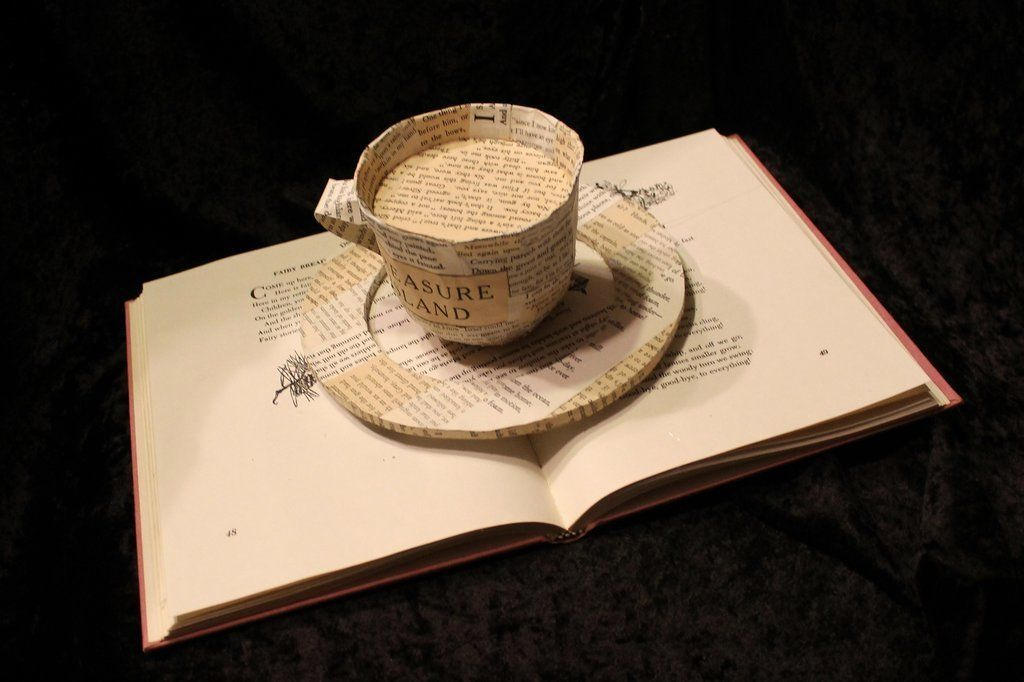 RT @noveliciouss: I love the smell of #book ink in the morning - Umberto Eco #reading #writing #bookslover https://t.co/WLWLBGU2tj