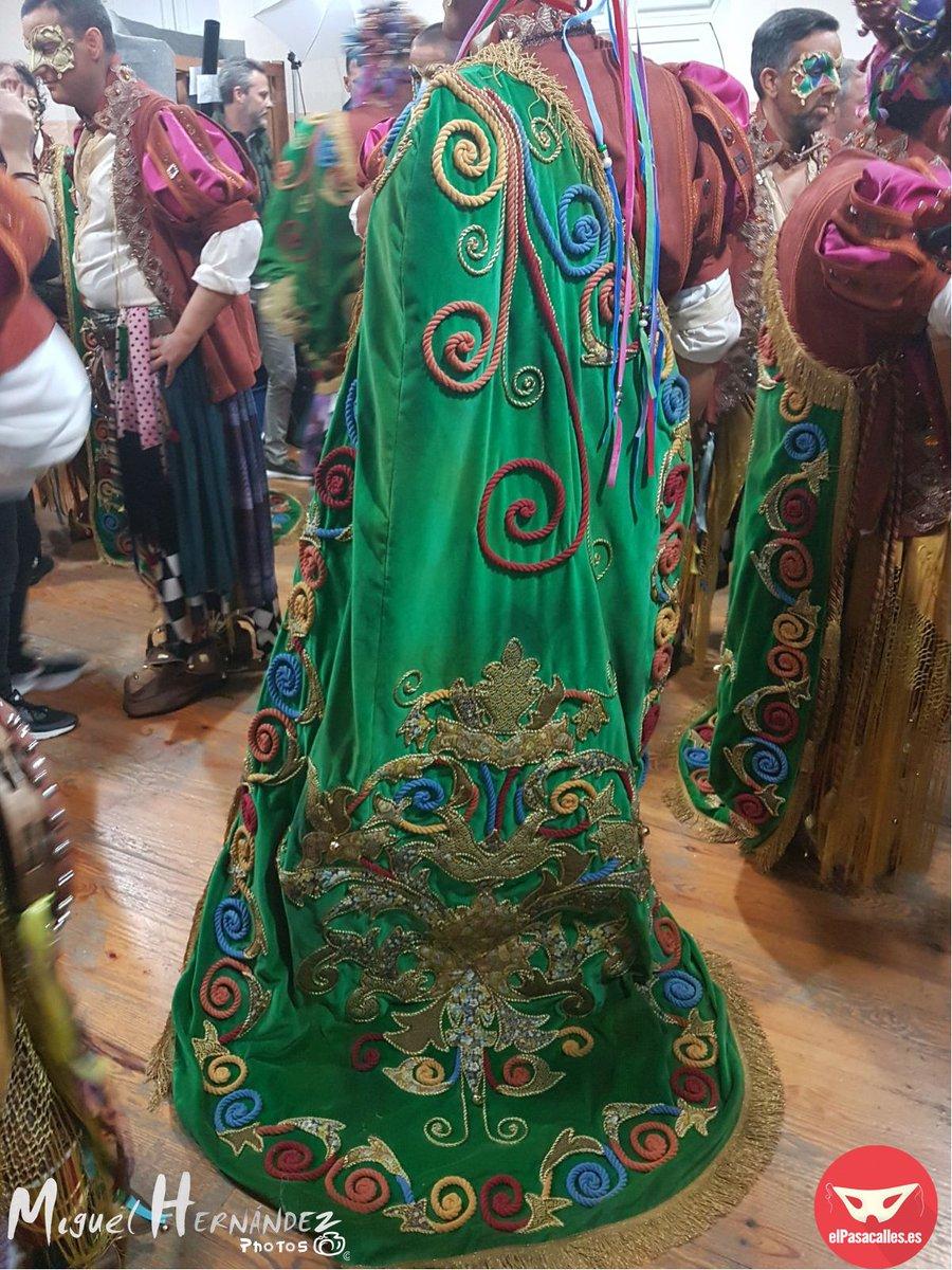 RT @elpasacallestv: Galería Comparsa 'El Perro Andalú' #COAC2018P10 https://t.co/Roh77Bx6o2 vía @elpasacallestv https://t.co/G5TvY6OPkJ