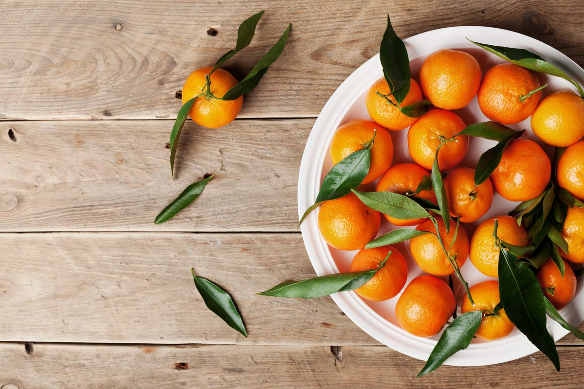 #DYK one clementine contains 9g of sugar. Eating two is almost as much as eating a chocolate bar.