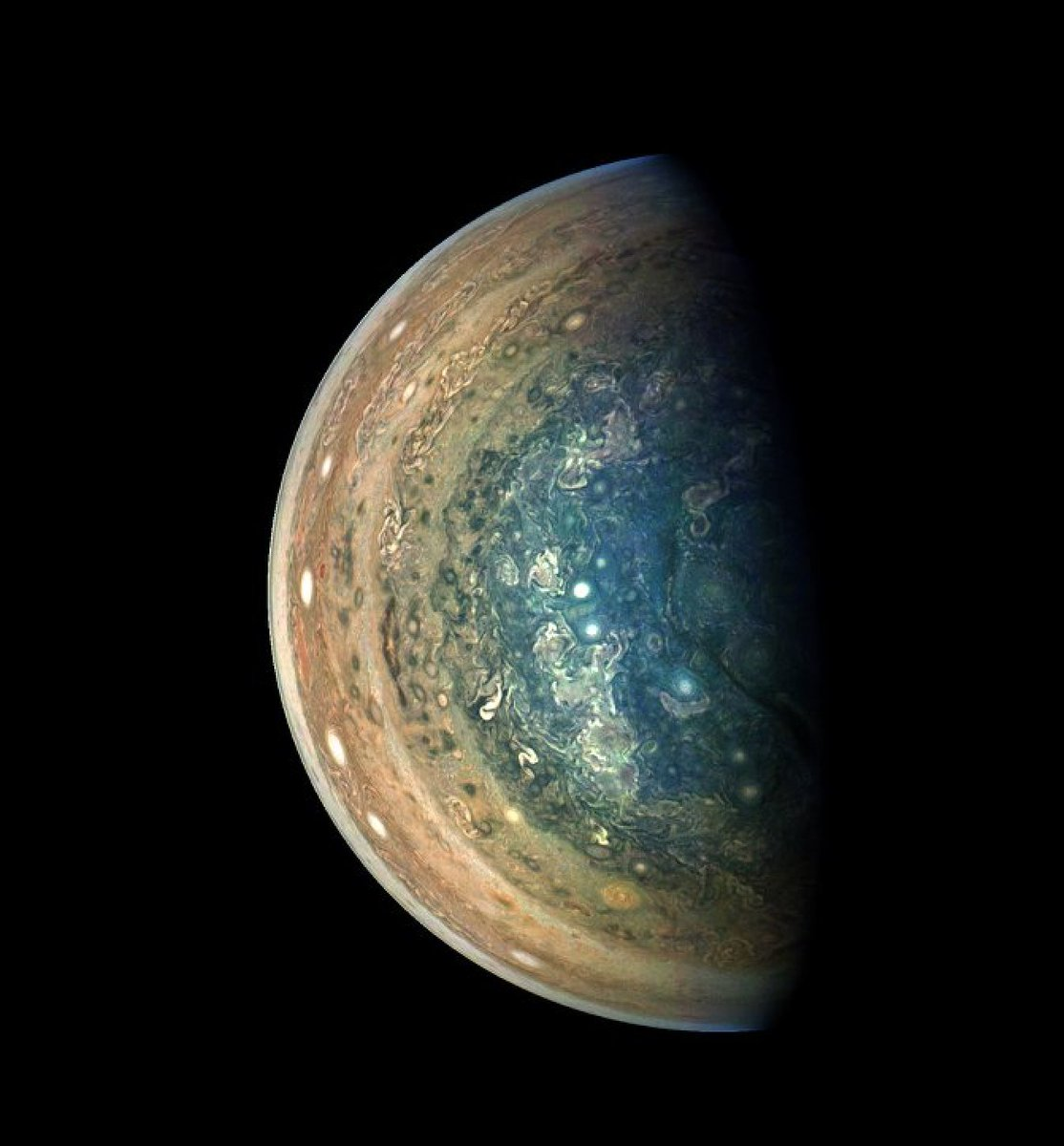 Jupiter, you gorgeous space gobstopper. We can't stop staring at the swirling south pole of the planet. 📸: @NASAJuno https://t.co/2DndOBQkgy