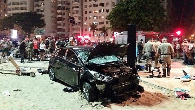 COPACABANA: Carro invade praia, mata bebê e fere ao menos 11 https://t.co/tgEtfRdh3S