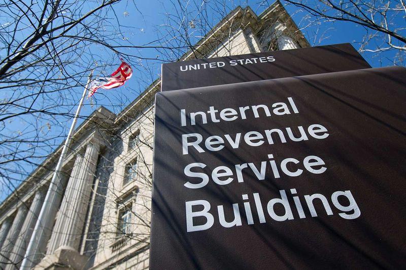 IRS collects billions in marijuana  taxes, much of it in cash     http:// cnnmon.ie/2EVbJJ3  &nbsp;    #MME #marijuana #cannabis #Tax #IRS #Sessions<br>http://pic.twitter.com/QecedrSfIG