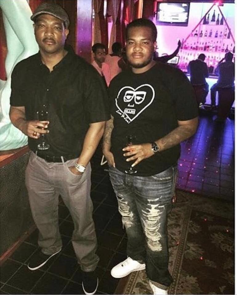 RT @_naivon: Chilling with my boy MLK https://t.co/jDNVb56CyB