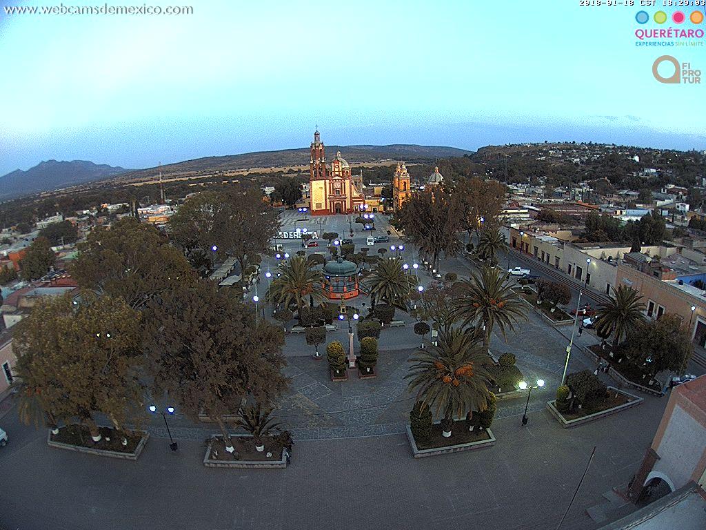 RT @webcamsdemexico: El #PuebloMágico de #CadereytaDeMontes #Querétaro en la hora azul de hoy. Vía @QroTravel https://t.co/ruRkoRLzRk