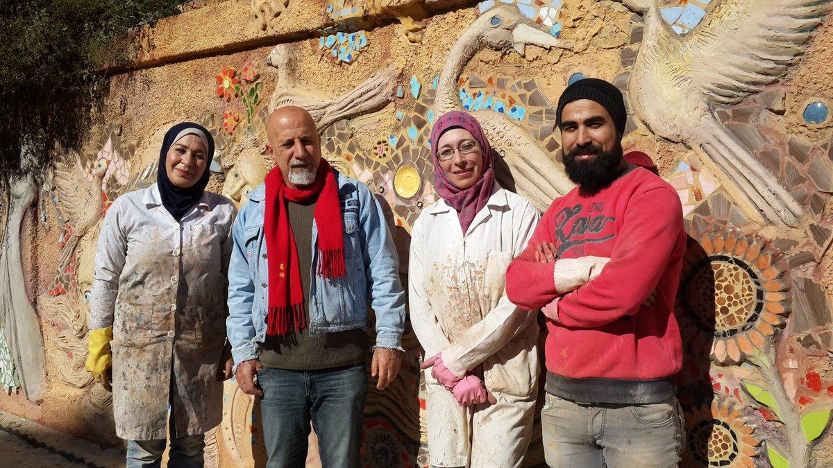 Syrian artists make mesmerizing #StreetArt amid post-war ruins (PHOTOS) https://t.co/duxvK6TTL2  #Syria