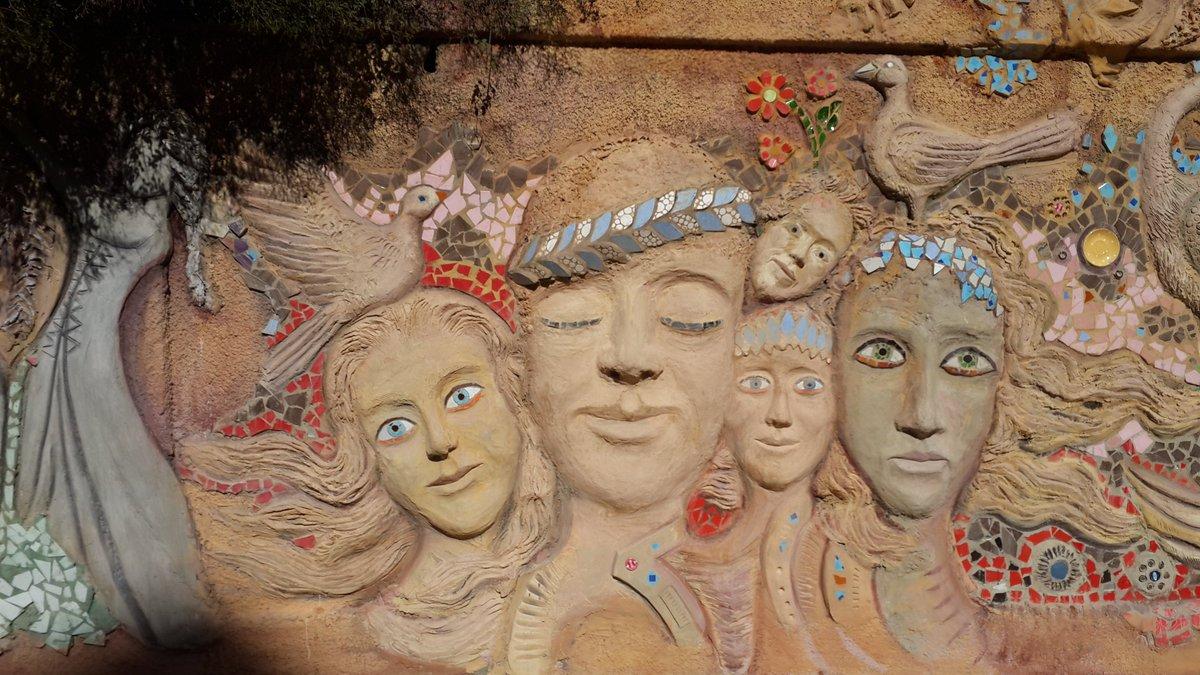 Syrian artists make mesmerizing #StreetArt amid post-war ruins (PHOTOS) https://t.co/SFNIYx8M08  #Syria