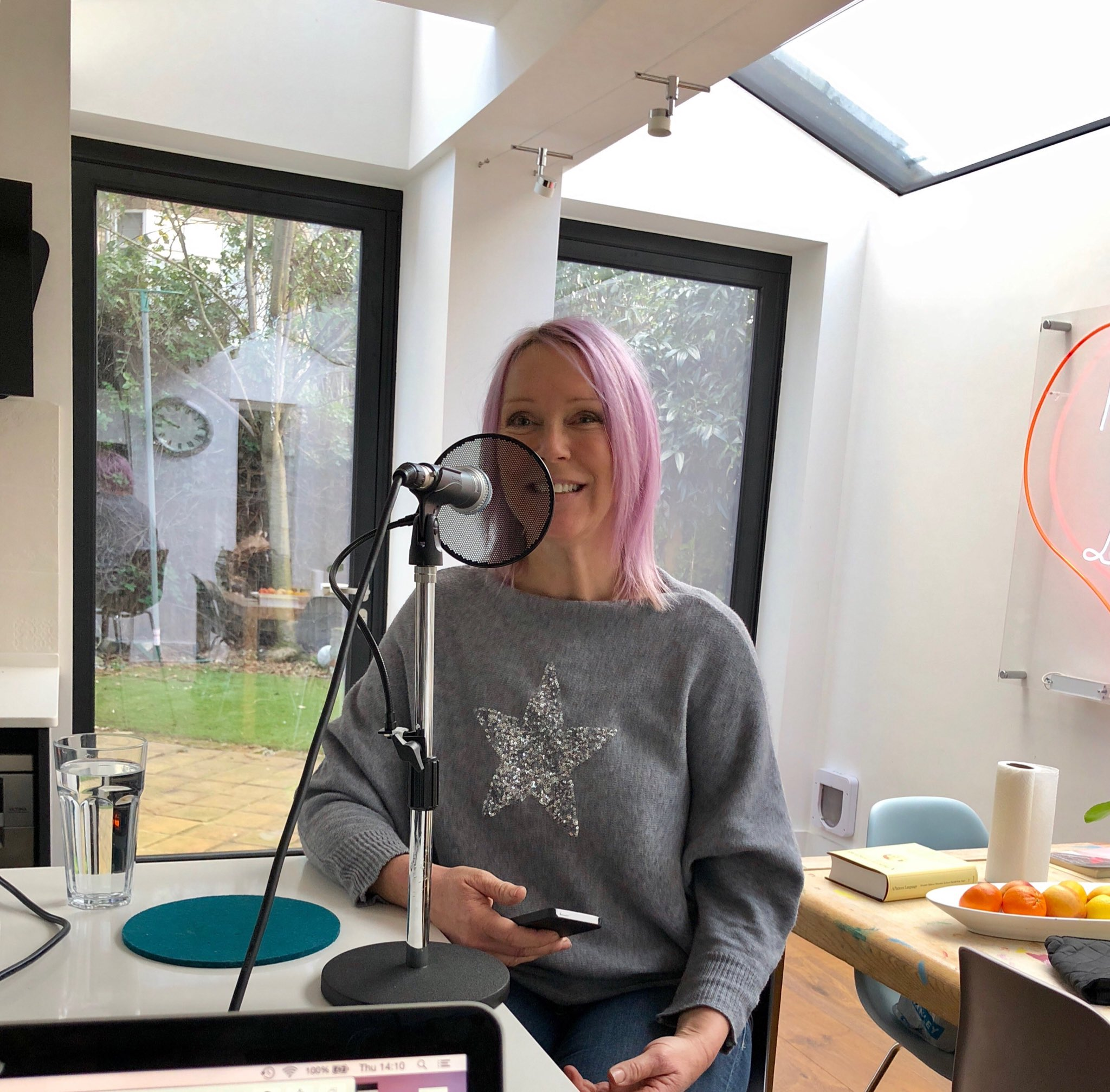Look who we've got on the #DearLovejoy podcast. @HellsBellsy COMING SOON https://t.co/GRdpTHw6oG