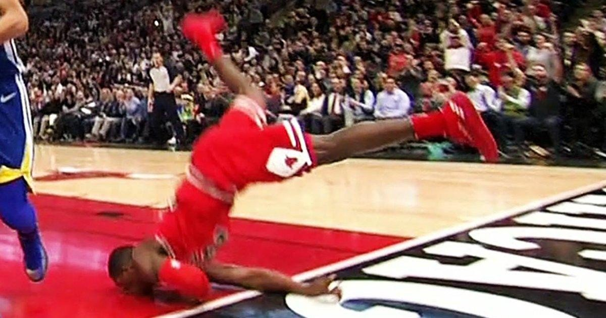 La schiacciata costa cara a Kris Dunn dei Chicago Bulls. Due denti rotti e ... - https://t.co/0jlyiK7bAm #blogsicilianotizie #todaysport
