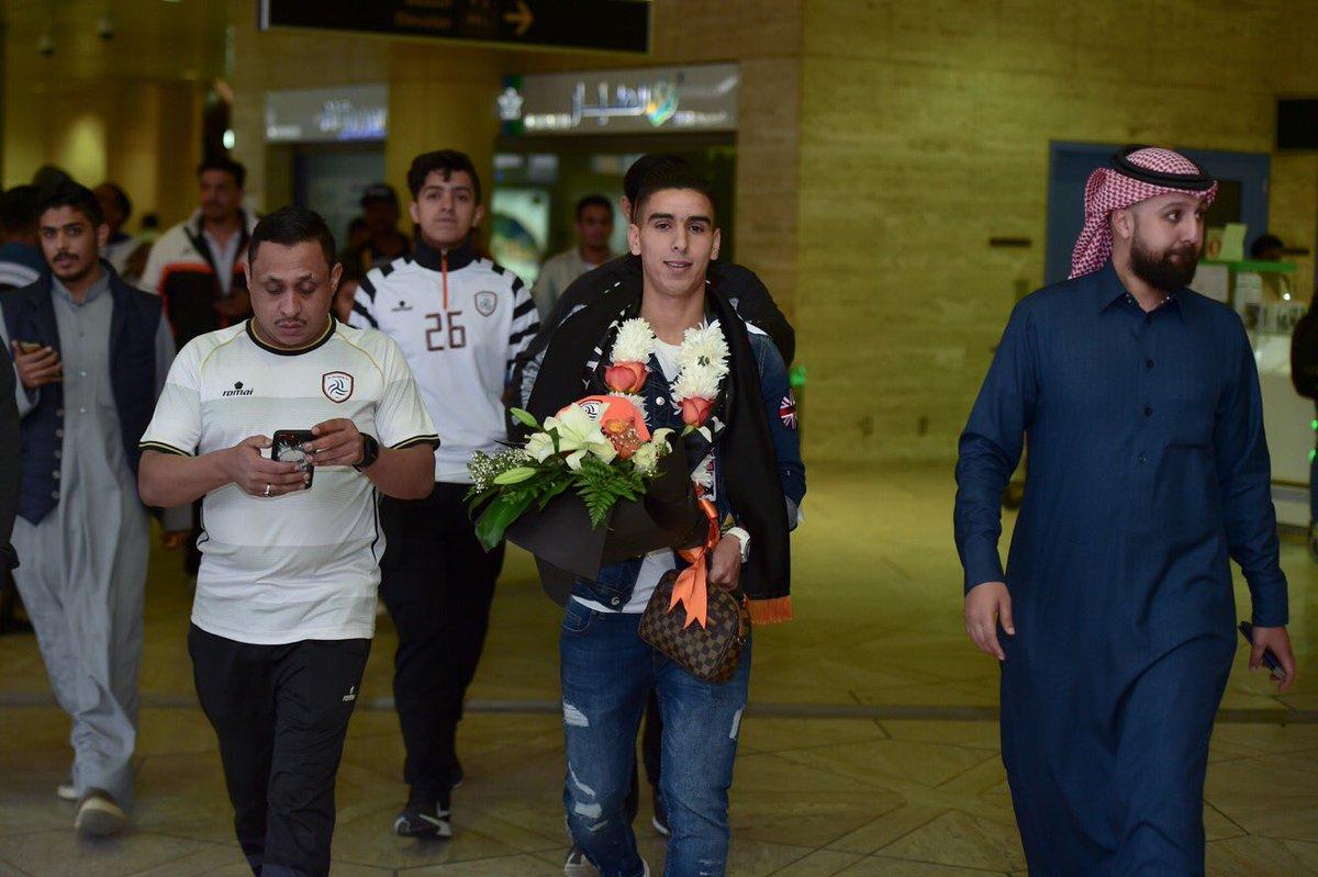 📷 وصول المحترف الليبي مؤيد اللافي إلى ال...