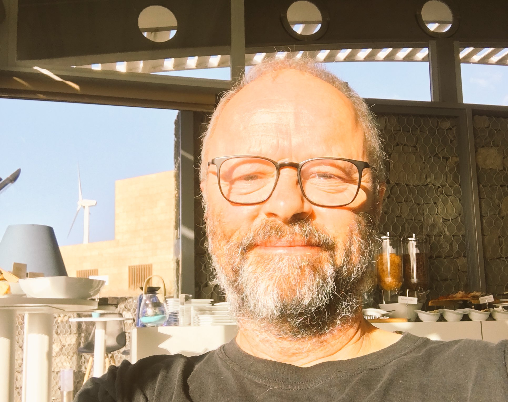 #Shorttermsmugmode  9:40am and the sun is HOT.. https://t.co/kNl2GDXFDJ