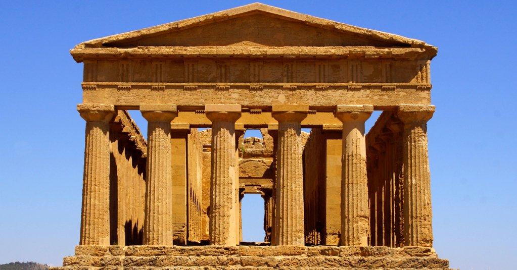 l Tempio greco della Concordia, nella Valle dei Templi di Agrigento  #blogsicilia #archeologiasiciliana