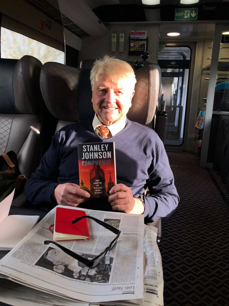 RT @StanleyPJohnson: Always good to have something to read on the train! https://t.co/T4MUVEAr7I