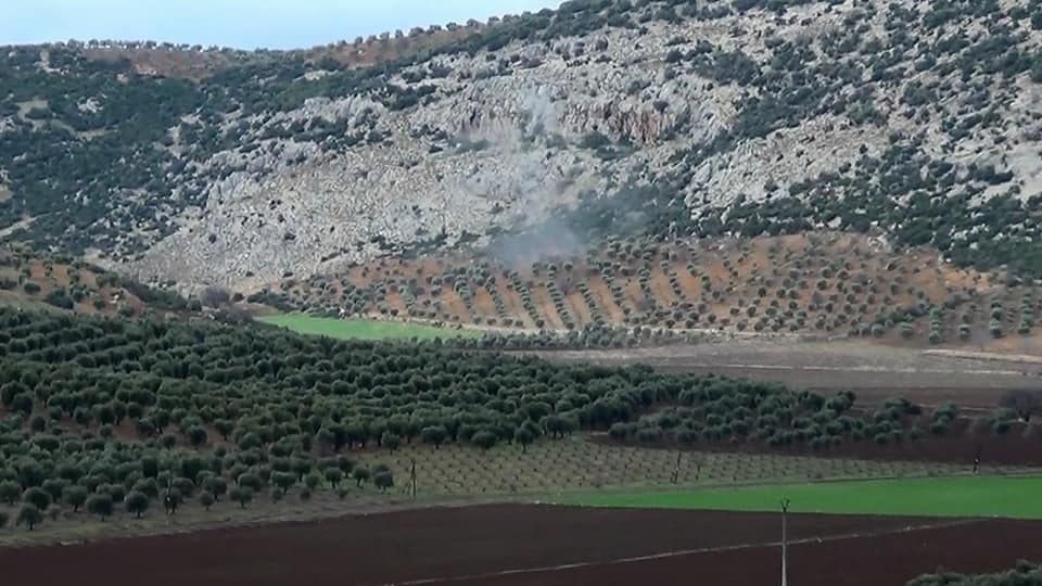 Turkish army shelling YPG positions in Afrin