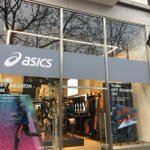 "#Throwback to one of the first @ASICSeurope Installs we completed.   #Brussels store included an impressive @NEC_Display_UK 98"" Digital Screen suspended from the ceiling using custom brackets manufactured by Skratch.   #FridayFeeling #Digital #Advertising #Installation"