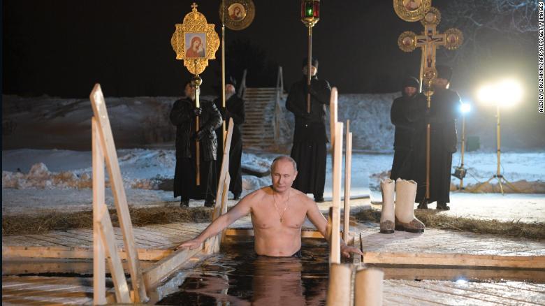 CNN's photo on Vladimir Putin