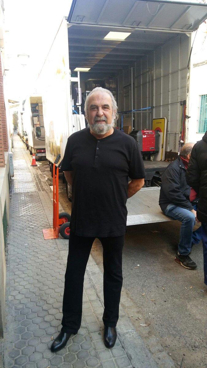 Grabando la nueva serie de Mediaset #sevilla #Mediaset #flamenco #spain #actor https://t.co/pK5MijMe9F