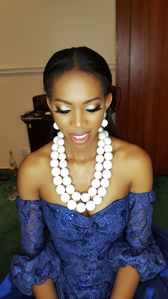 Hello Tweeps. My name is Lucia and I am a professional makeup artist. I&#39;m available to travel to any location.  My next client could be on your tl.  Kindly retweet, Thank you. #MakeUp #MakeUpArtistry<br>http://pic.twitter.com/87i8kwQlvf