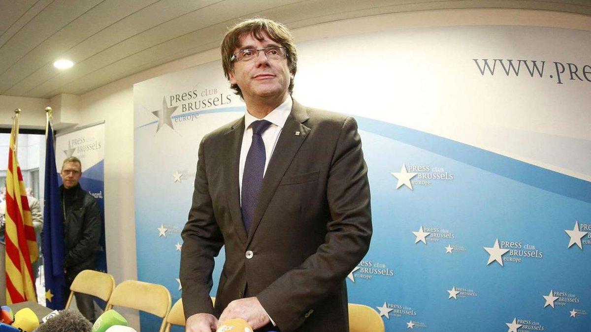Puigdemont: 'Posso governare la Catalogna anche da Bruxelles' #catalogna https://t.co/5eQ9LDi0kZ