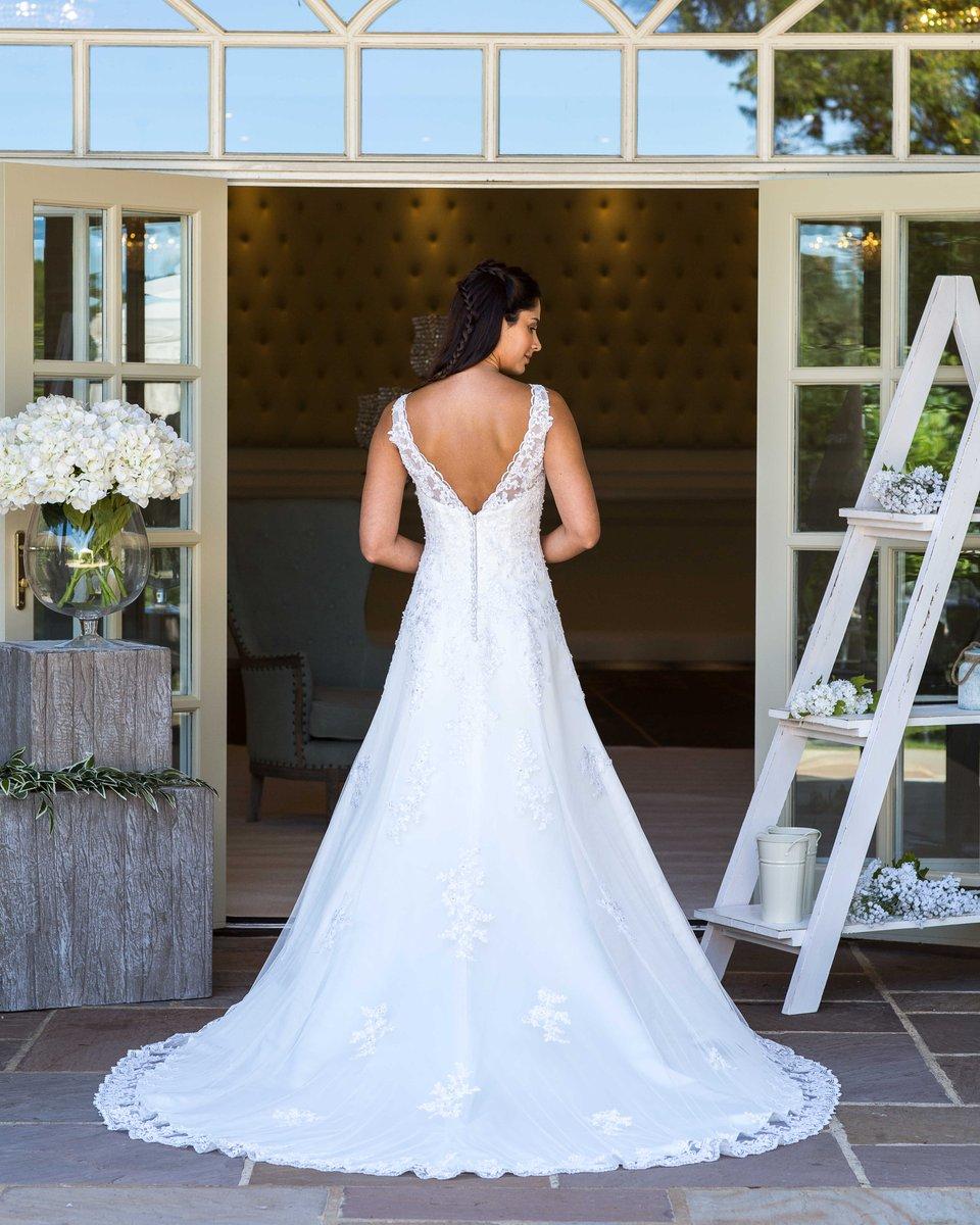 Sundayfunday Bridestobe Weddinggown Weddingideas Moorparkgolf Moor Park Pic Twitter Reg592jtom