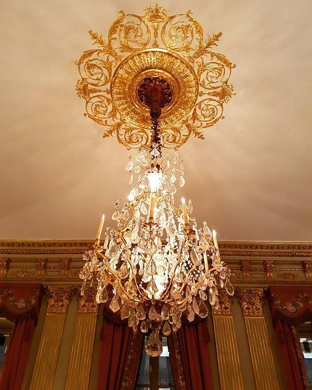 C'est un peu Versailles mais c'est assez...