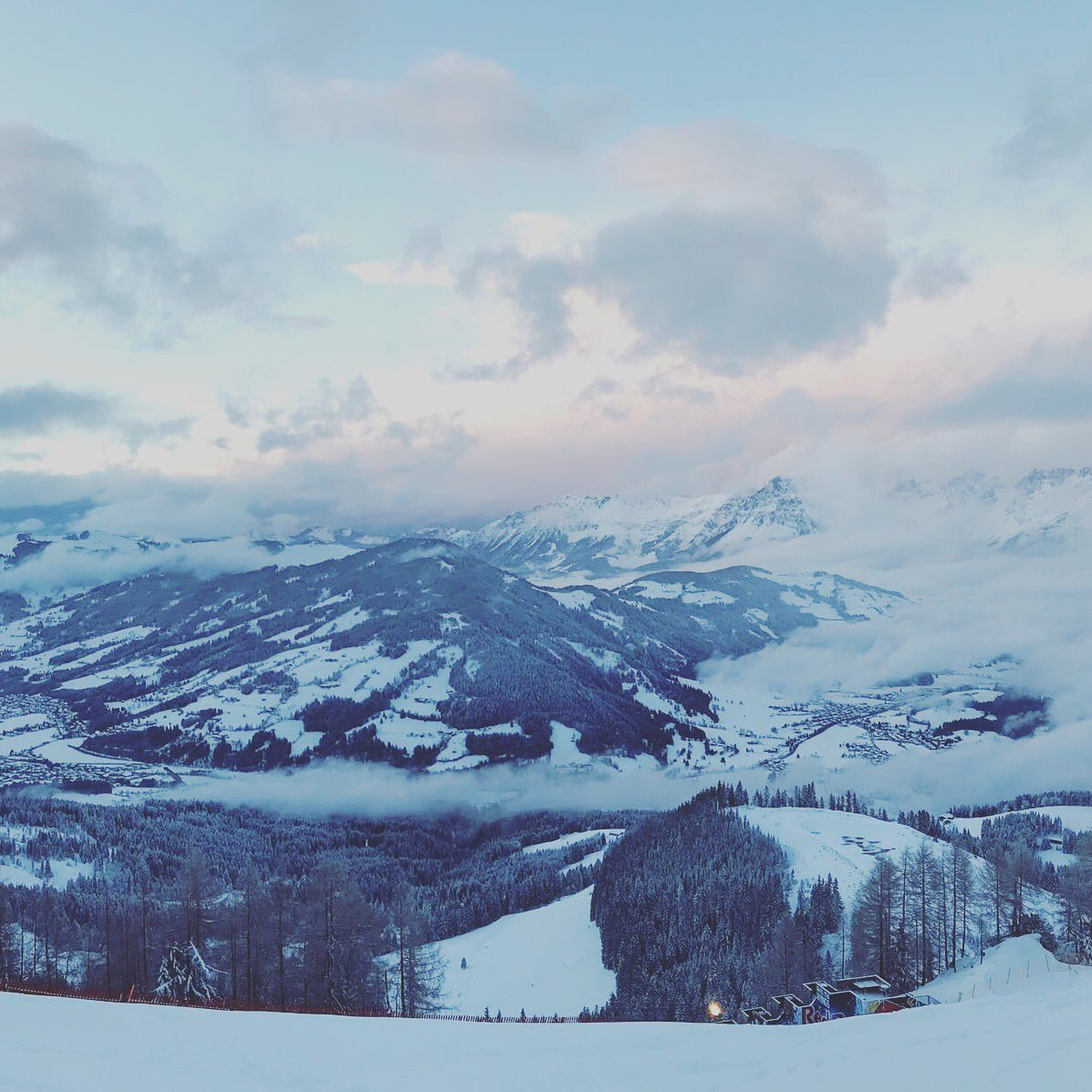 Best Time in the Mountains #kitzbühel #Kitzbuehel #Hahnenkamm #Streif �� https://t.co/1bolZfugg1