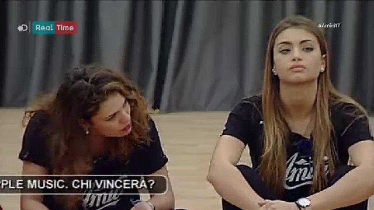 Emma  o Carmen, voi da che parte state?...