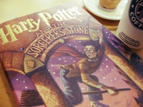 #MencioneUmLivro Harry Potter e a Pedra...