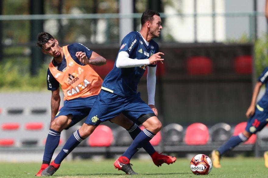 Réver e Paquetá no treino de hoje (19/01...